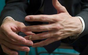 como-descobrir-traicao-no-casamento