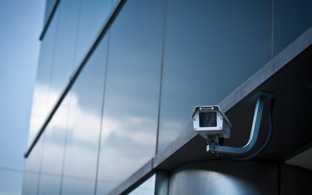 Descubra O Que Levar Em Consideração Para Comprar Uma Câmera Escondida!